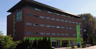 Greenrooms - Graz - Building