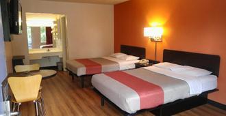 Stay4 Less - Fredericksburg - Bedroom