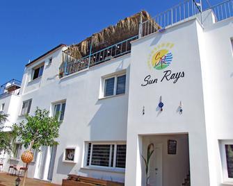Sun Rays Hotel - Kyrenia - Gebäude