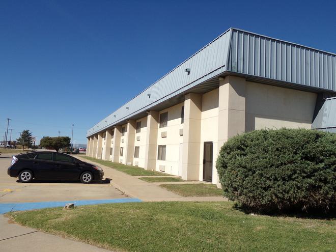Regency Inn & Suites - Altus - Edificio
