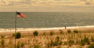 Adams Ocean Front Resort - Dewey Beach - Beach