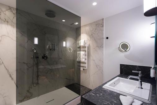 Maison Rouge - Strasbourg - Bathroom