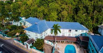 Doctors Cave Beach Hotel - מונטגו ביי - בניין
