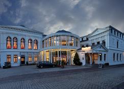 Hotel Am Schloss Aurich - Aurich - Vista del exterior