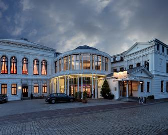 Hotel Am Schloss Aurich - Aurich - Außenansicht