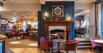 Innkeeper's Lodge Old Windsor - ווינדזור - בר