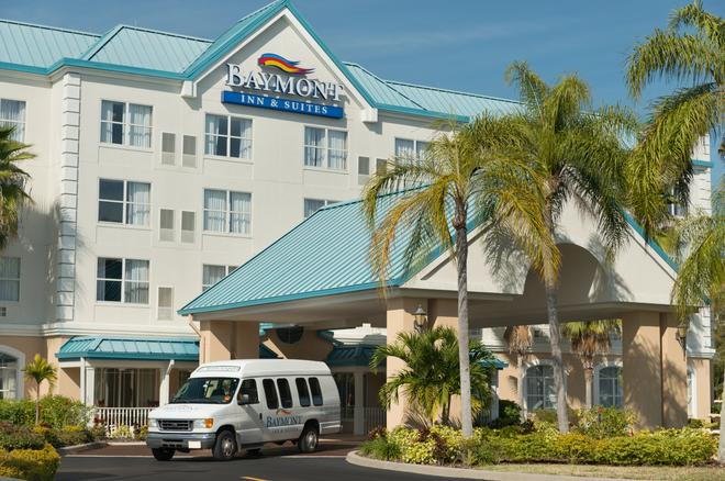 Baymont Inn & Suites Fort Myers Airport - Fort Myers - Building
