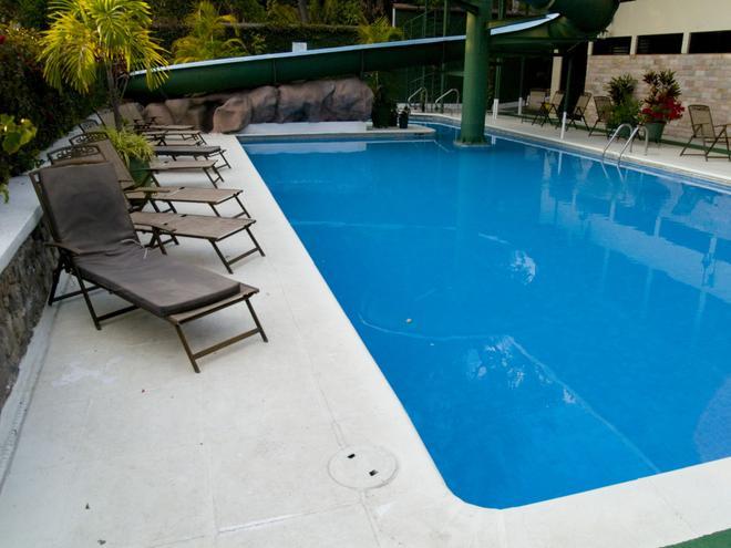 波薩達德羅德里格巴納哈契酒店 - 巴納哈契 - Panajachel - 游泳池