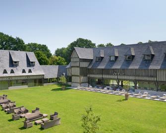 Les Manoirs de Tourgéville - Deauville - Building