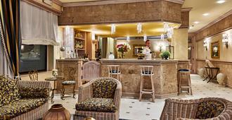 Palace Hotel Regina - Bibione - בר