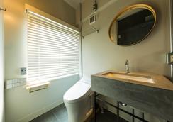 The Share Hotels Hatchi Kanazawa - Kanazawa - Bathroom