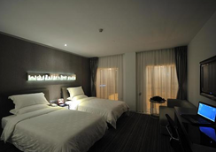 Kingtown Hotel - Chongqing - Schlafzimmer