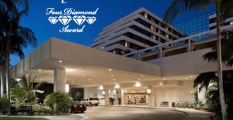 Renaissance Newport Beach Hotel - Пляж Newport Beach - Здание