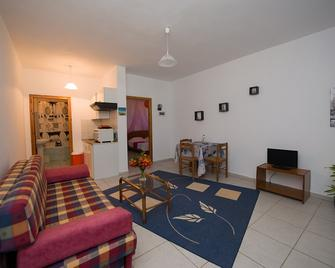 Corfu Sea Palm Residence - Roda - Huiskamer