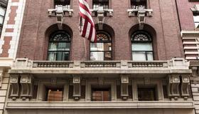 City Club Hotel - New York - Building