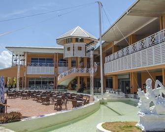 Royalton Hicacos Resort & Spa - Varadero - Edificio
