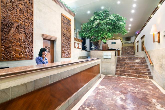 Jakarta Airport Hotel Managed By Topotels - Tangerang City - Front desk