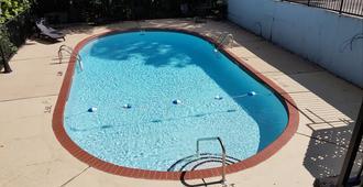 Swiss Village Inn - Eureka Springs - Pool