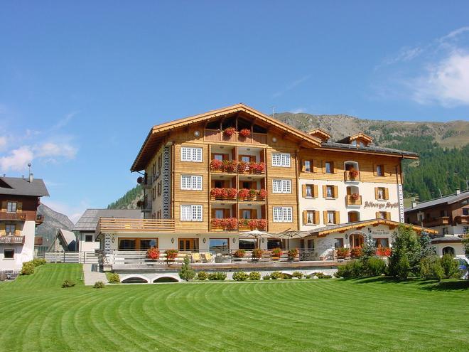 Hotel Spol - feel at home - Livigno - Κτίριο