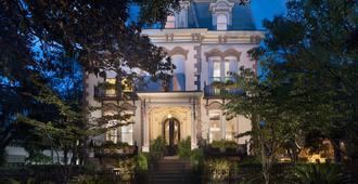 Hamilton Turner Inn - Savannah - Building