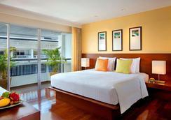 巴東海灘普吉島瑞士酒店 - 普吉 - 臥室