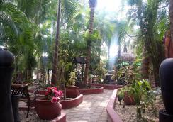 科科斯卡瓦尼亞斯酒店 - 卡曼海灘 - 普拉亞卡門 - 天井