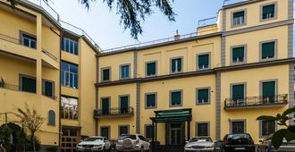 Villa Albina - Naples - Building