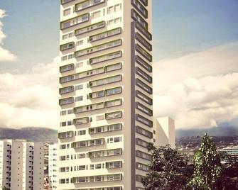 Lâviu B&B Luxe Suites - La Concepción - Edificio