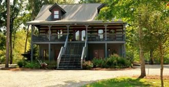 River Ranch Bed and Breakfast - Hattiesburg
