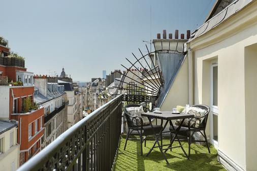 R. Kipling by Happyculture - Pariisi - Parveke