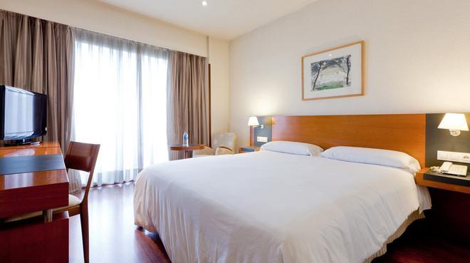 Senator Barajas Hotel - Madrid - Habitación