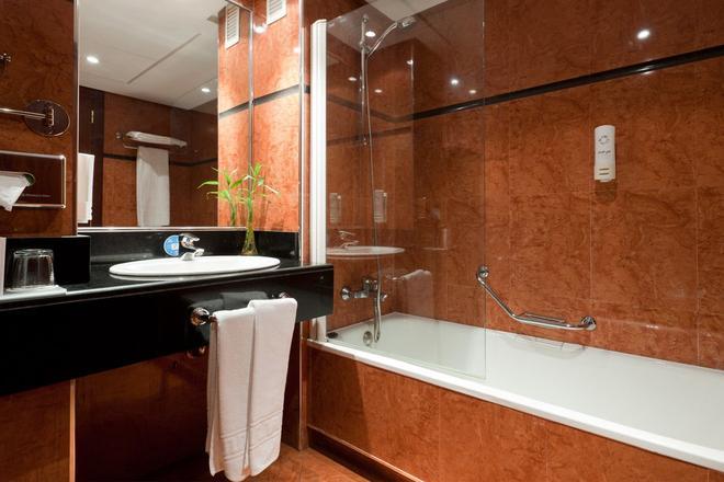 Senator Barajas Hotel - Madrid - Baño