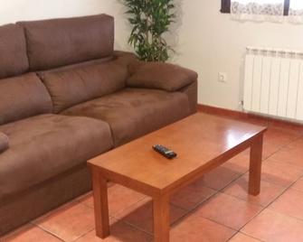 Apartamentos Aires de Avin - Onís - Sala de estar