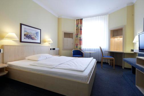 Intercityhotel Hamburg Altona - Αμβούργο - Κρεβατοκάμαρα