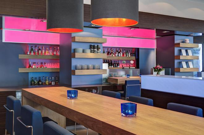 Intercityhotel Hamburg-Altona - Hamborg - Bar