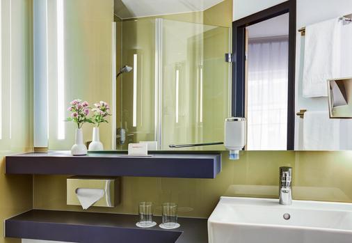 Intercityhotel Hamburg-Altona - Hamburg - Phòng tắm