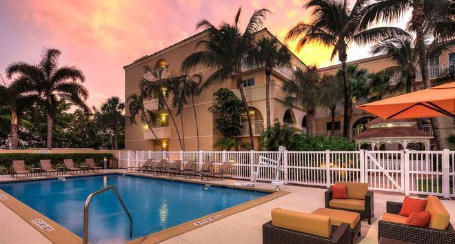 Courtyard by Marriott Fort Lauderdale North/Cypress Creek - Fort Lauderdale - Piscina