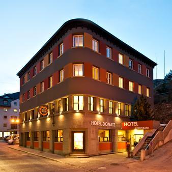 Hotel Donatz - Samedan - Outdoors view