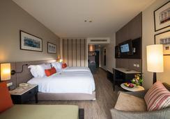 Deevana Plaza Phuket - Patong - Bedroom