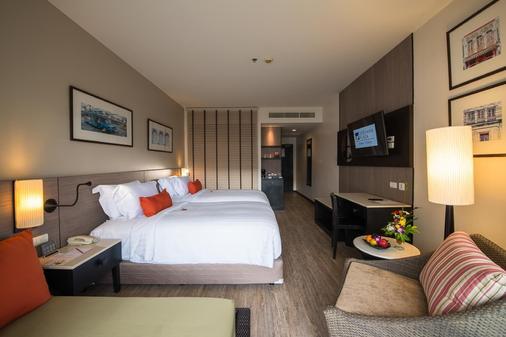 普吉广场蒂瓦娜酒店 - 芭东 - 睡房