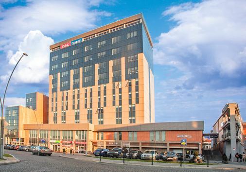 Hotel Dal Kielce - Kielce - Building