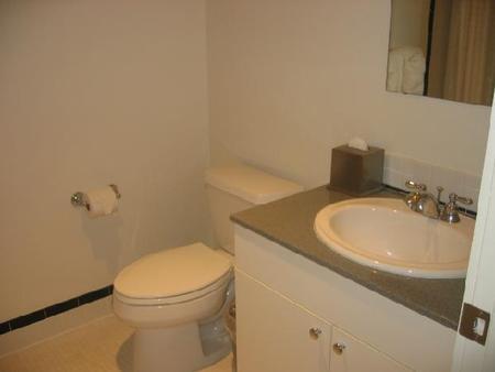 Oakwood at Colonnade Residences - Boston - Bathroom