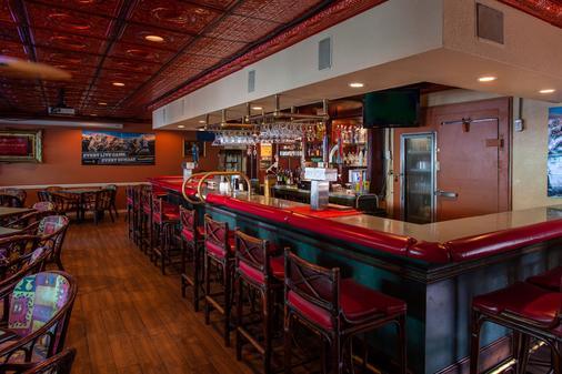 Quality Inn & Suites Cocoa Beach - Cocoa Beach - Bar