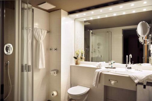Parkhotel Berghoelzchen - Hildesheim - Bathroom