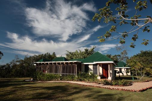 Hidden Valley Inn & Reserve - San Ignacio - Rakennus