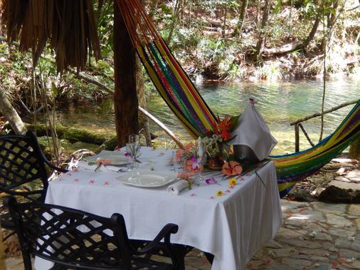 Hidden Valley Inn & Reserve - San Ignacio - Juhlasali