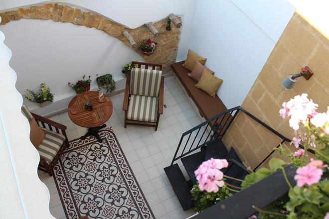 Pedieos Guest House - Nicosia - Balcony