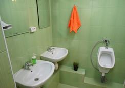 Hostels Rus - Volgogradka - Moscow - Bathroom