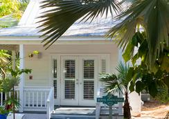 Paradise Inn Key West-Adults Only - Key West - Building