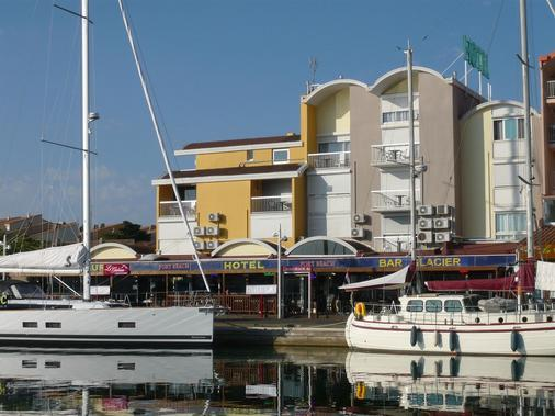 Hotel Port Beach - Gruissan - Building